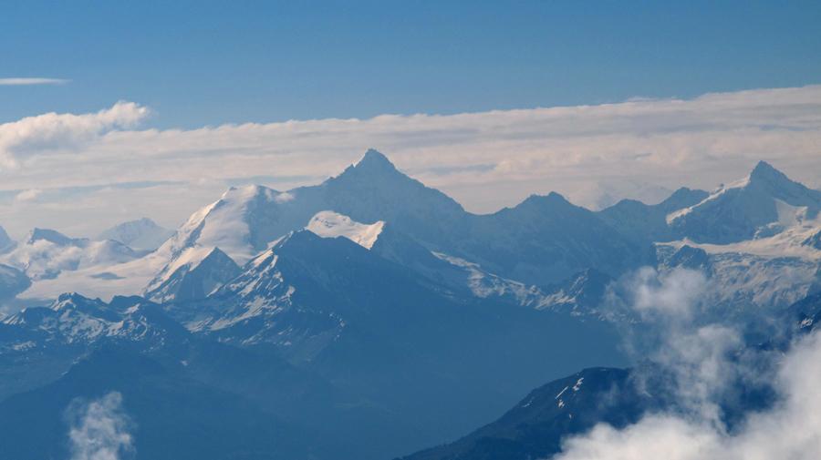 ...und schliesslich mein Lieblingsgipfel, das Weisshorn! Im Vordergrund sieht man auch das Bishorn und die Barrhörner, ebenfalls gut zu besteigende 3000er