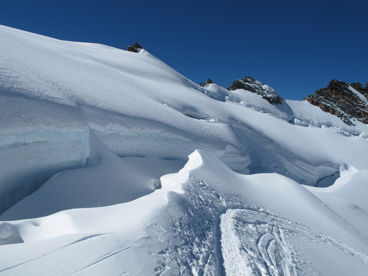 Schöne Gletscherlandschaft im Abstieg