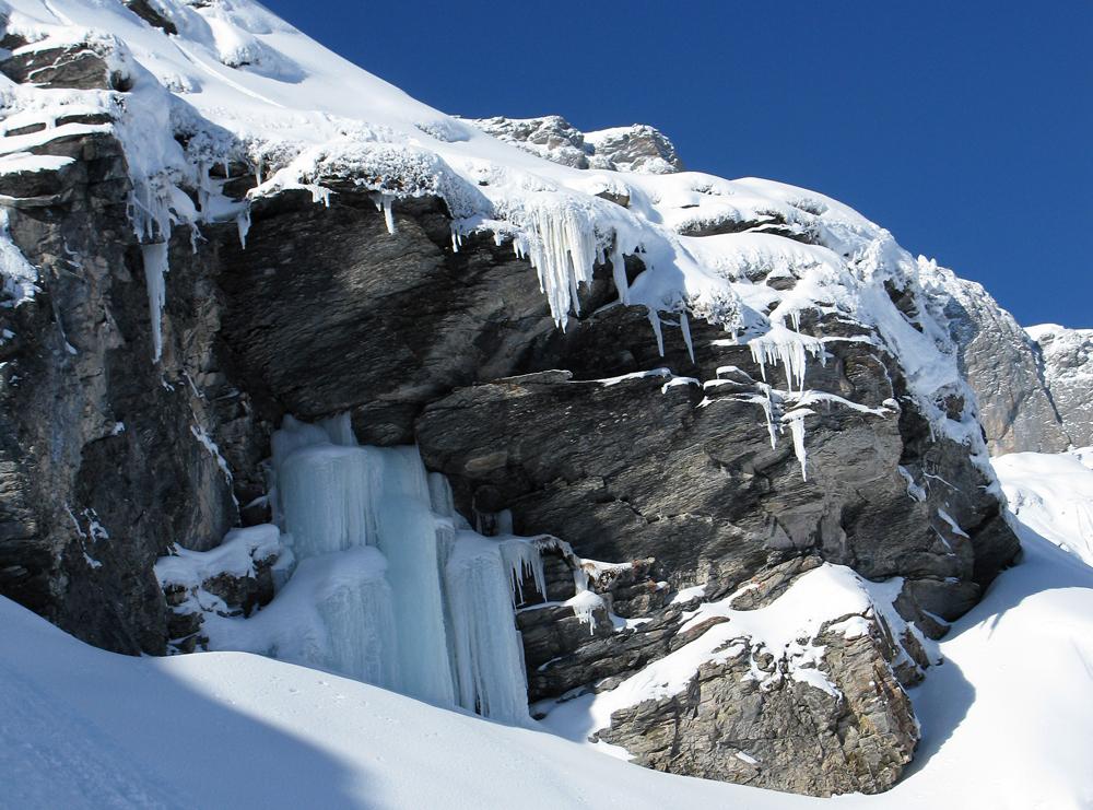 Eiszapfen beim Gemmipass